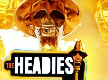 Starboy Wizkid wins artist of the year award at the headies award 2021