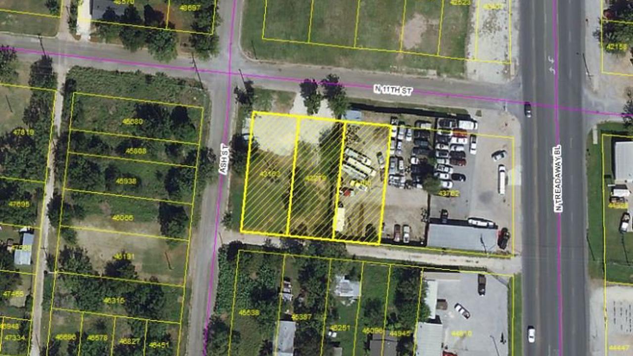 Residents of Abilene's Carver neighborhood contest commercial development plans