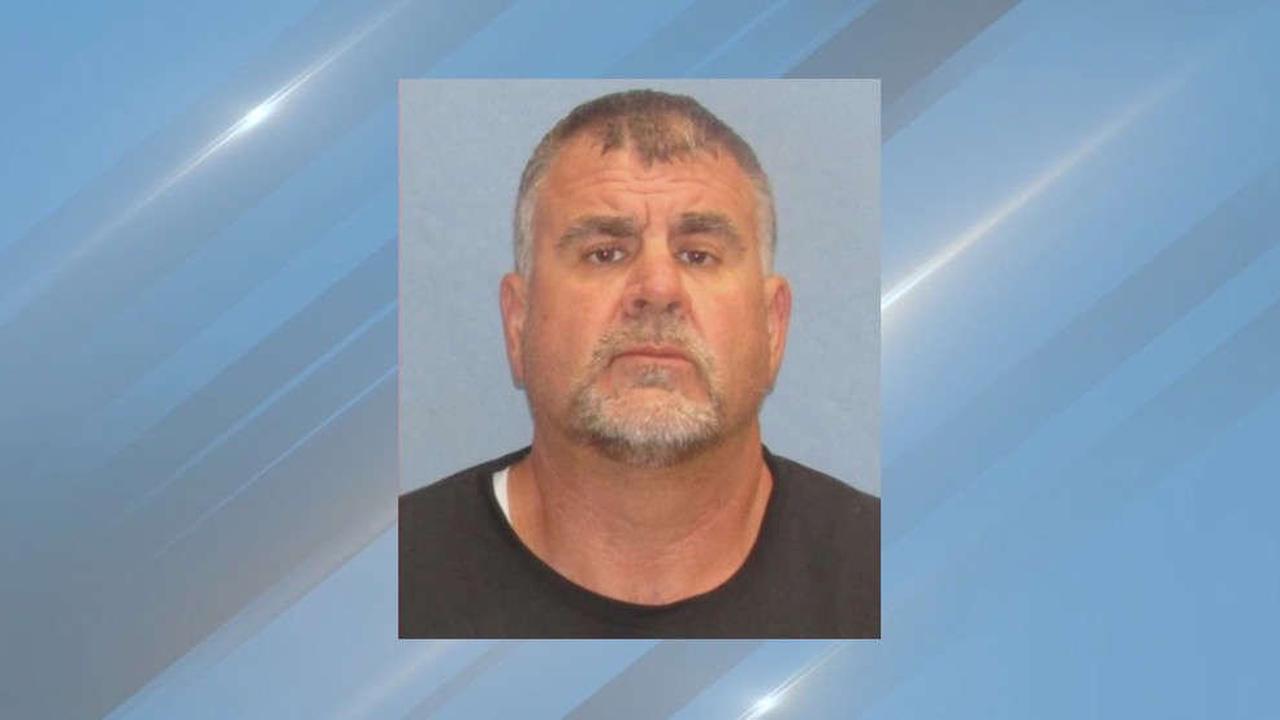 Former Greene Co. Sheriff's lieutenant sentenced to prison for stealing FBI money