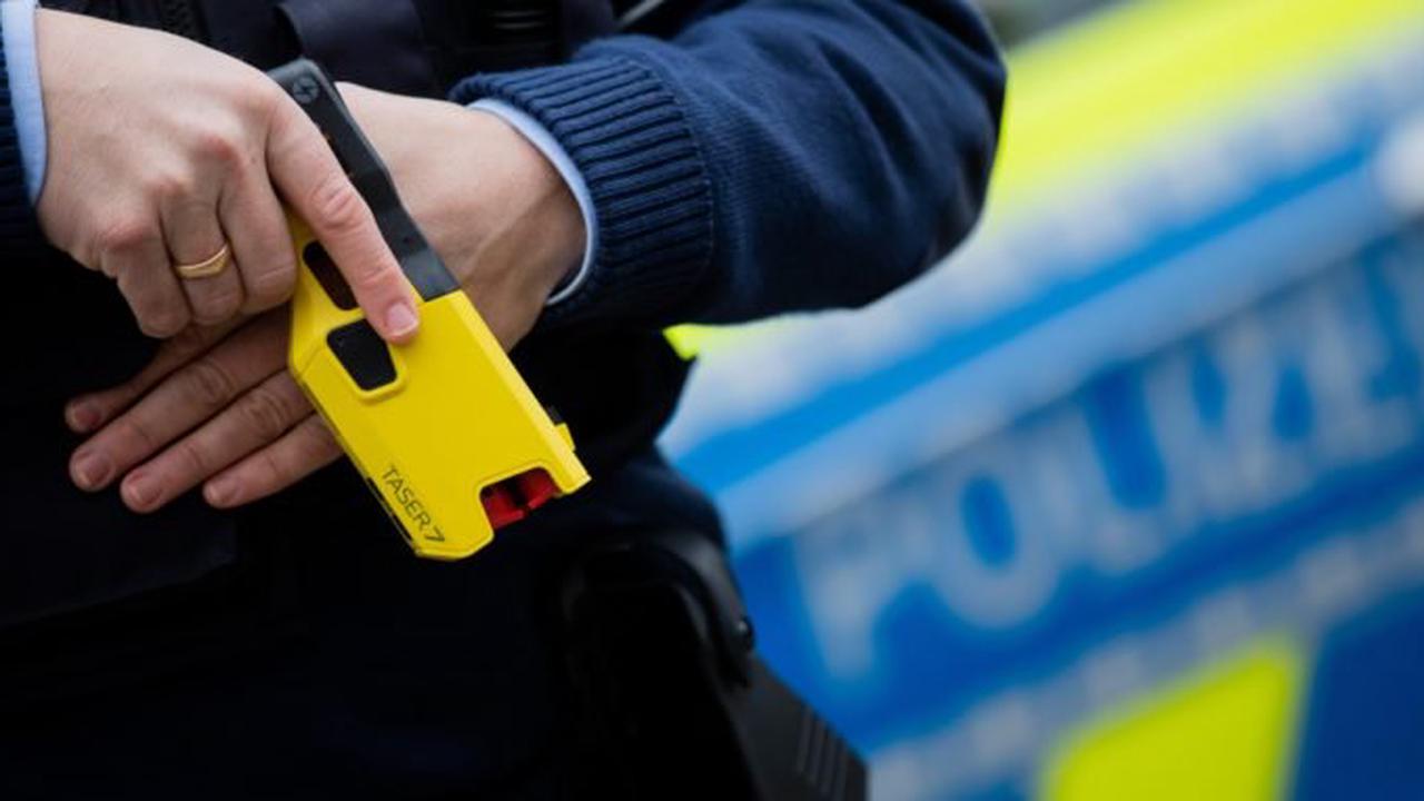Taser bei der Polizei: erste Berichte der Erprobungsphase liegen vor