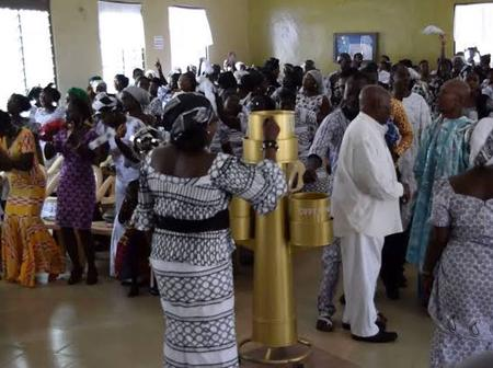 Angry Pastor Blasts Church Members Over Small Offering.