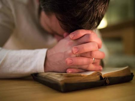 Here are 5 things that happens when you pray everyday