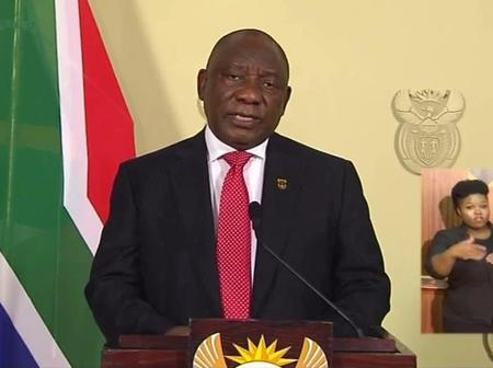 View what South African People Noticed in The Left Shoulder of the President