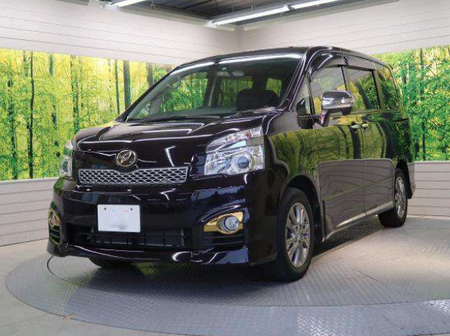 What You Need To Know About Toyota Voxy 2012 Model [Photos]