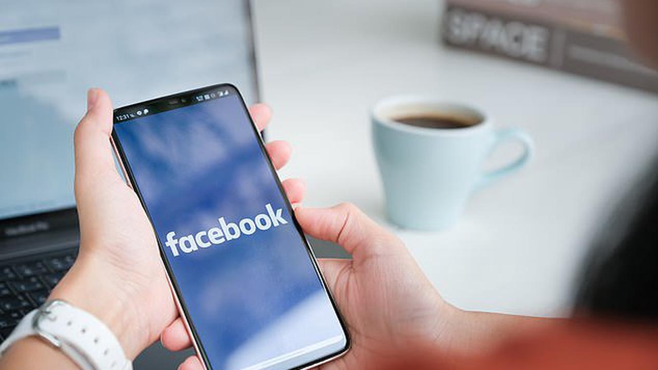 Facebook, Instagram and Messenger are DOWN: Social media platforms crash worldwide leaving tens of thousands of users frustrated