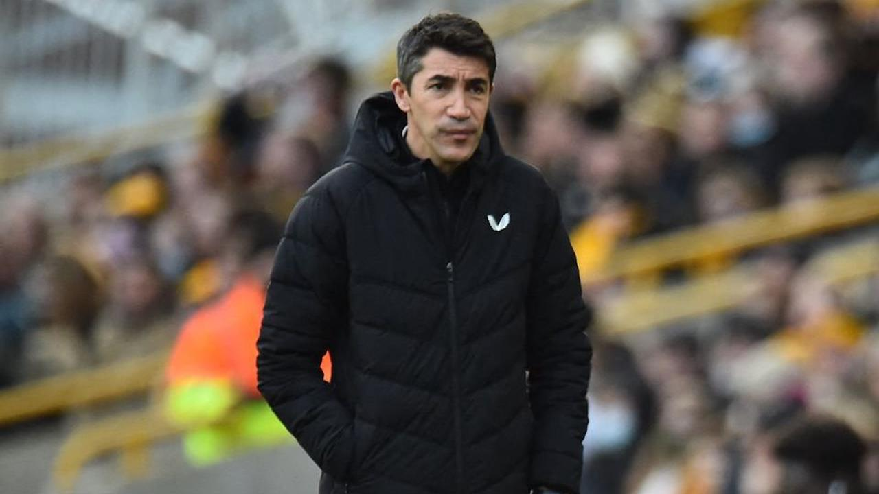 Wolves: Lage must bring Leao to Molineux