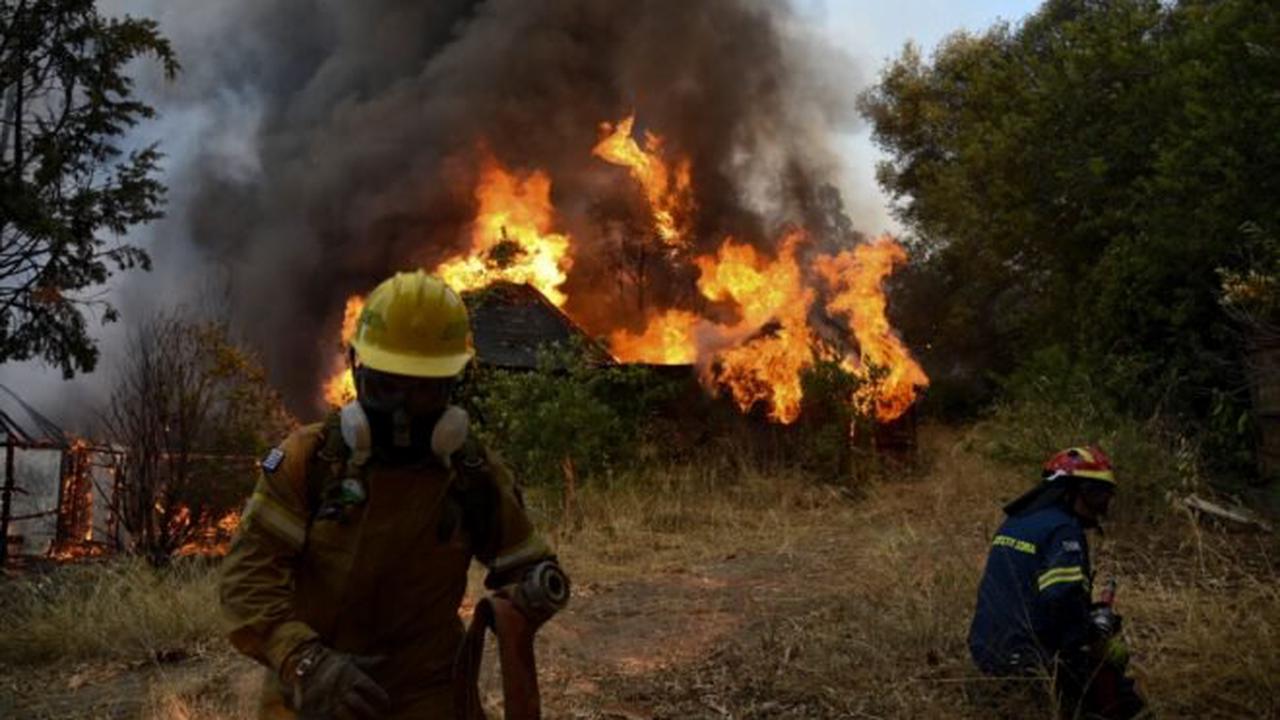 Incendie en Grèce dans le Péloponnèse : une dizaine de maisons brûlées, cinq blessés
