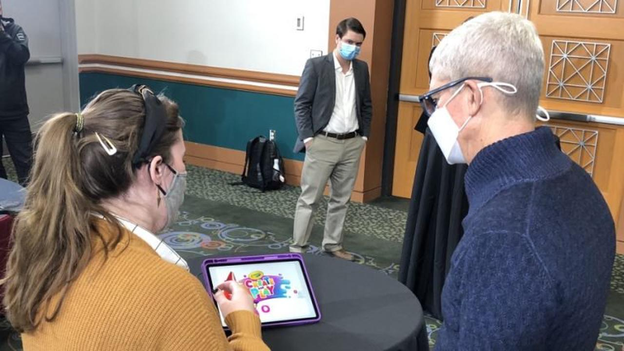 Apple's Tim Cook meets with Utah app developers at tech summit
