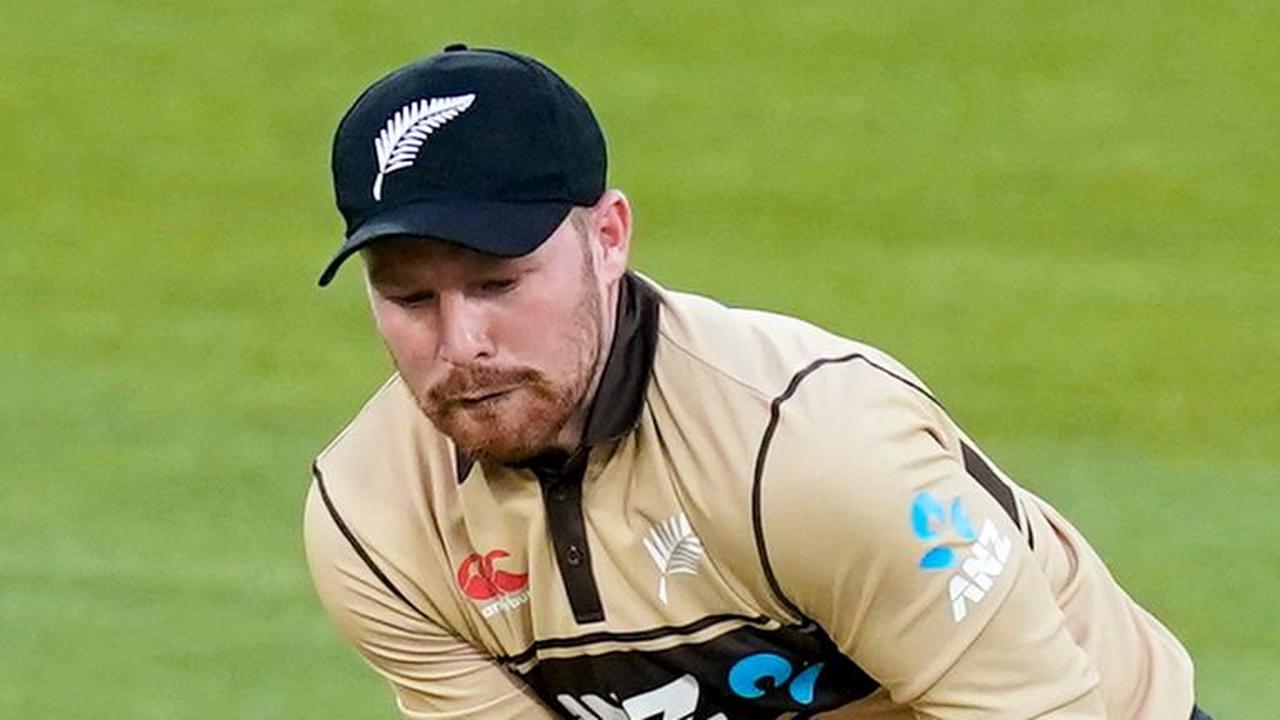 New Zealand batsman Tim Seifert tests positive for coronavirus as other Kiwi players moved to Maldives