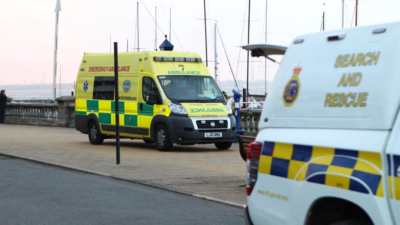 EMERGENCY RESPONSE AS UNCONSCIOUS SAILOR RUSHED ASHORE AT COWES