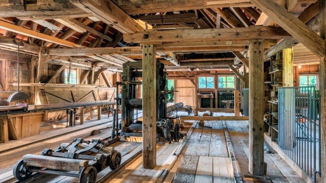 Fast 200 Jahre alte Säge neu im Bauernhofmuseum Illerbeuren
