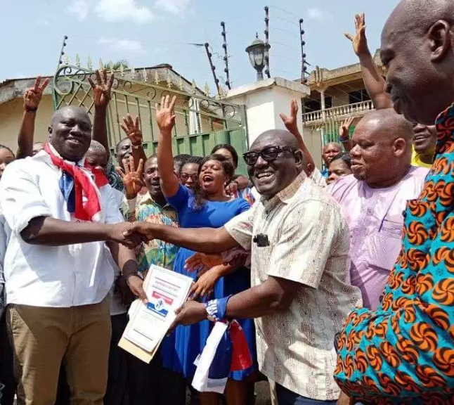 16219bbc6deb872056c4fa74e34b6dd6?quality=uhq&resize=720 - President Akufo-Addo visits The Mfantseman MP's family home to mourn (Photos)