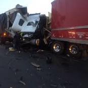 Three trucks in horrific collision on the N1