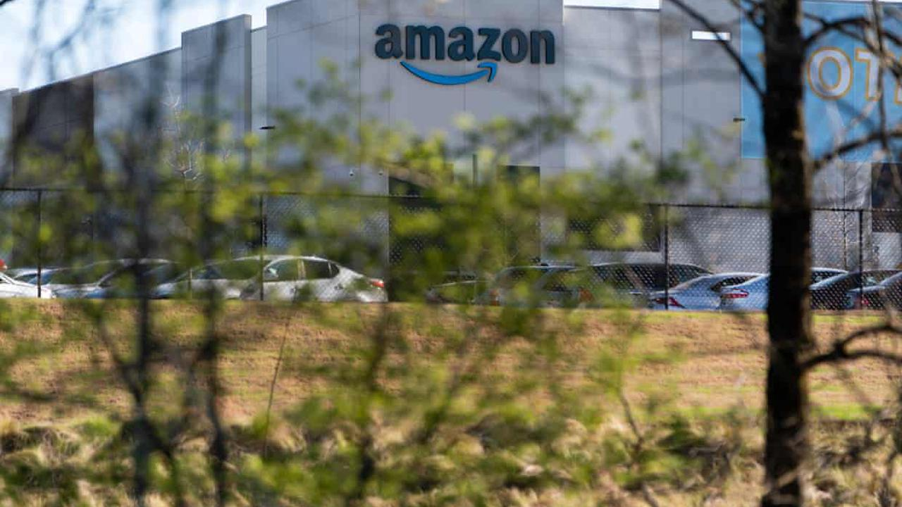 Alabama warehouse workers on track to reject forming Amazon's first US union