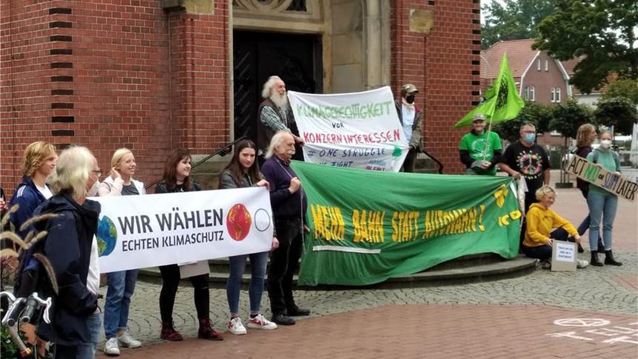 Mahnwache mit rund 50 Personen fordert echten Klimaschutz
