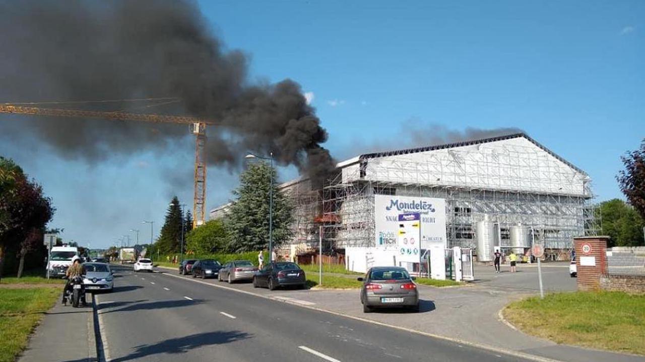 Le feu prend à nouveau à l'usine Lu-Mondelez de Jussy