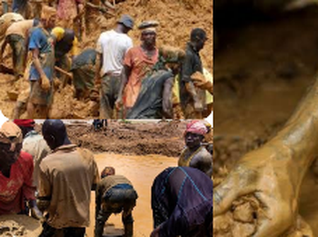 VIDEO: People Are Grabbing Away Gold After It Was Found In Zamfara State