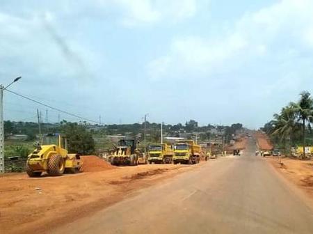 Séguéla. Obsèques du Premier Ministre, Hamed Bakayoko. Le tronçon Séguéla-Daloa en chantier.