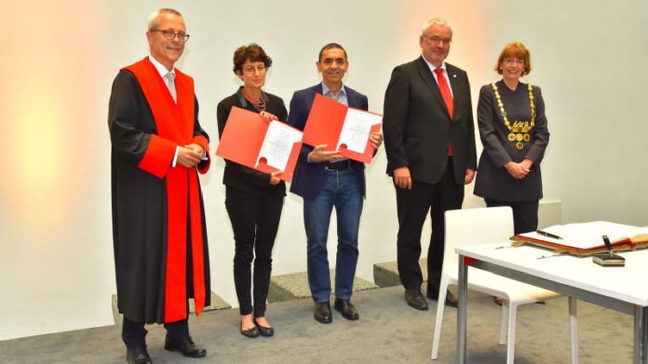 Eintrag ins Goldene Buch und Ehrendoktorwürde für Özlem Türeci und Uğur Şahin