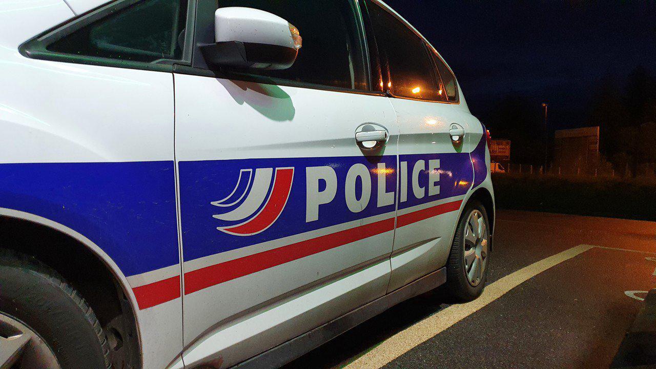Laval : au volant d'une voiture volée et en possession de cannabis