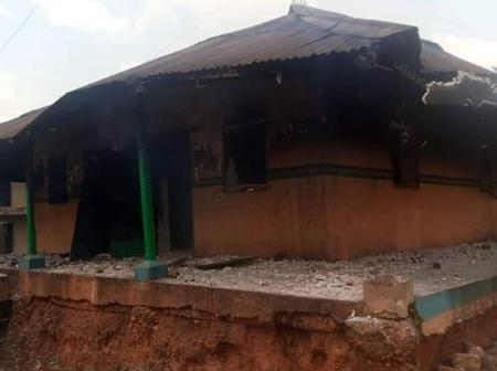 Just In: 91 Years Old Police Station Set Ablaze In Ibadan
