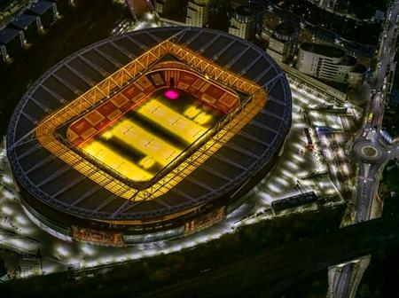 Check out this Beautiful photograph of Emirate stadium at night and reactions on social media.