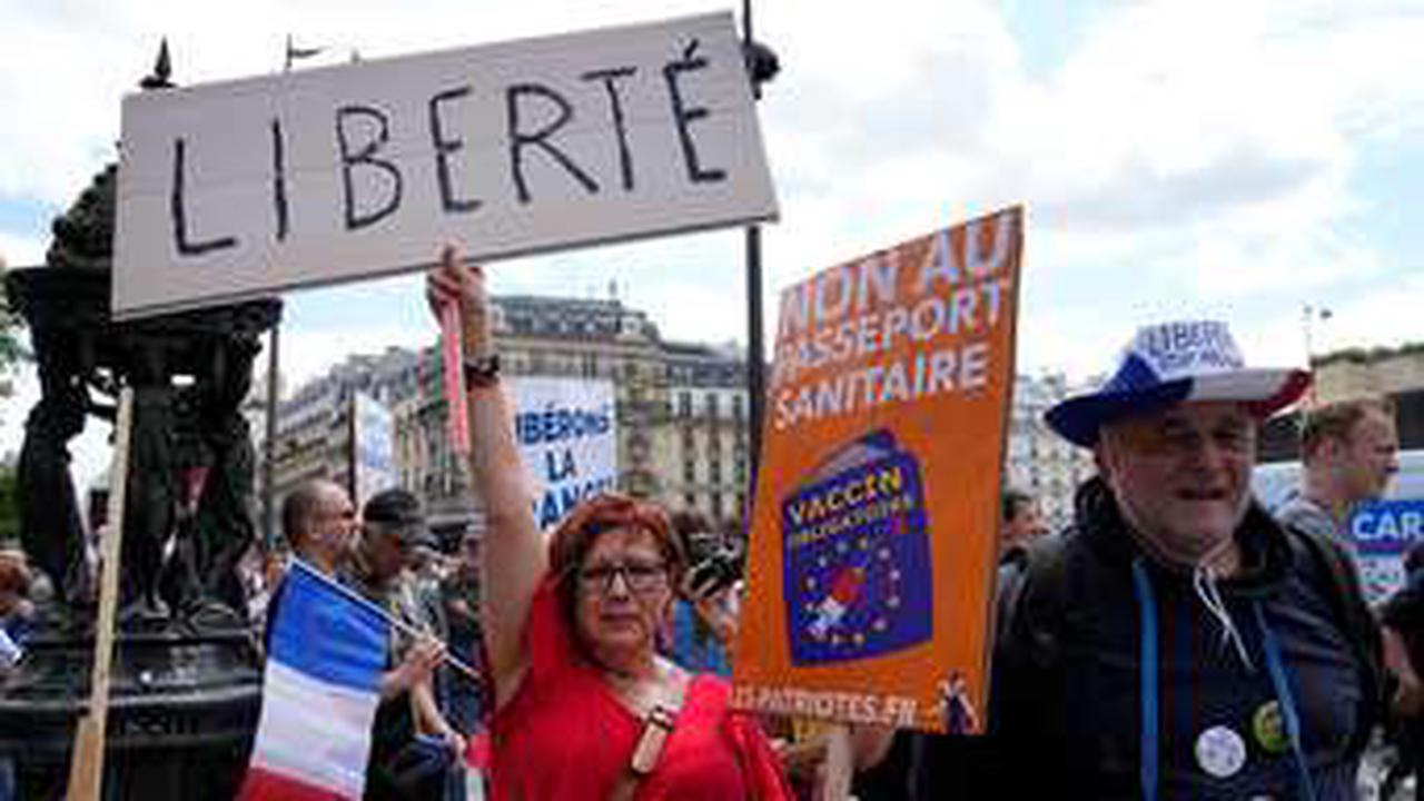 Mehr als 200.000 Menschen demonstrieren in Frankreich gegen Impfpflicht
