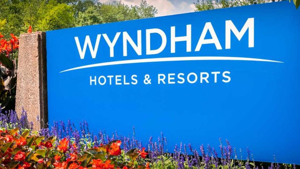 New Wyndham Rewards Credit Cards & Win FREE Diamond Status!