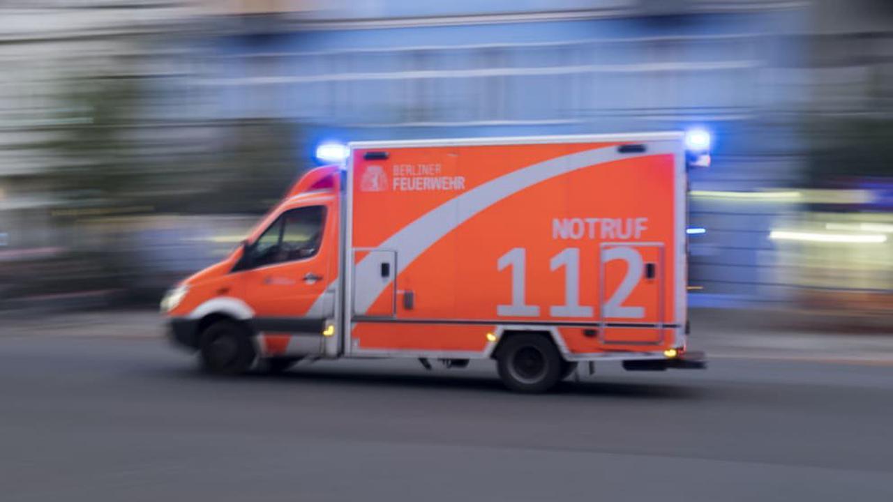 Mann kommt bei Frontalzusammenstoß ums Leben