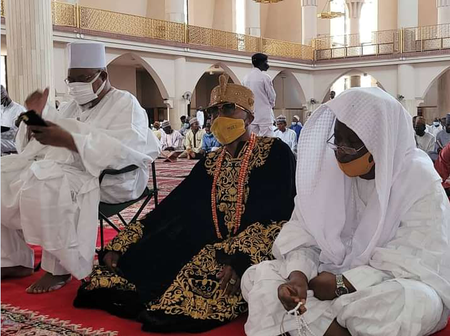 Oluwo Of Iwo With Northerners At Sokoto Central Mosque During Jumat Service Today (PHOTOS)