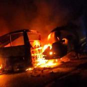 حدث ليلا .. تفحم أتوبيس ركاب بعد اصدامه مع سيارة نقل بترول في طريق أسيوط  ( شاهد الصور)