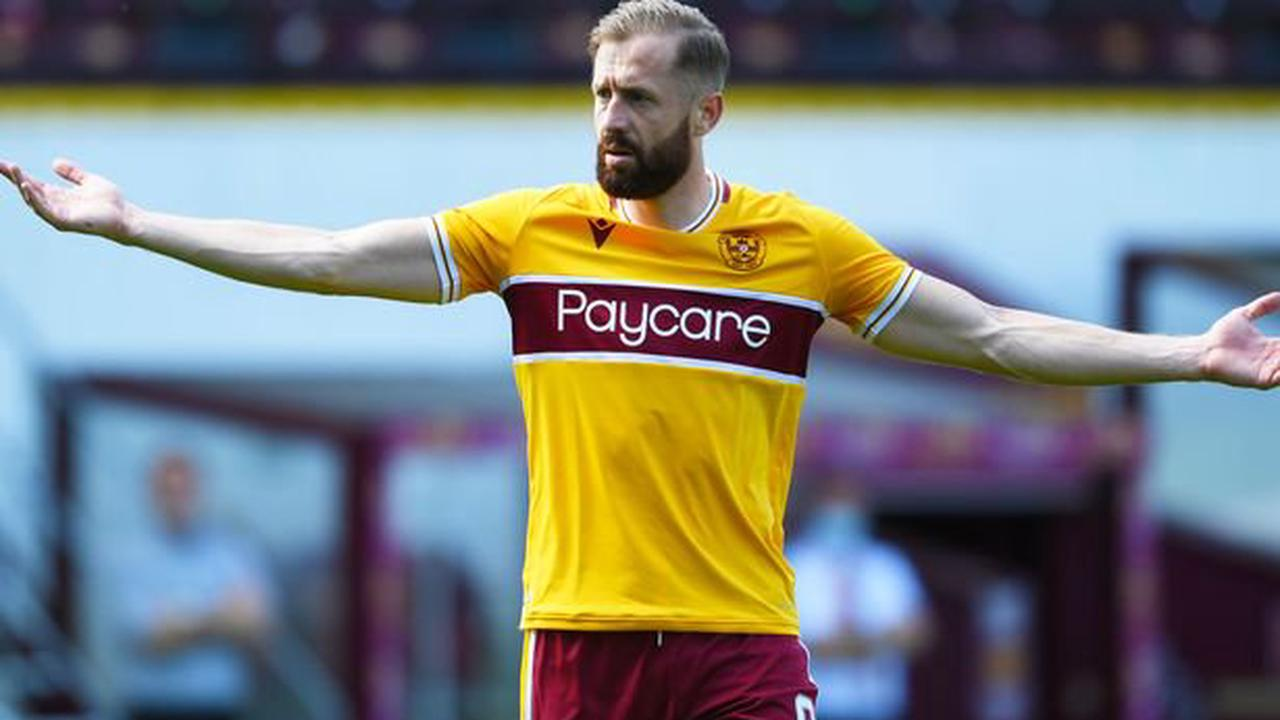 Motherwell's Kevin van Veen earns praise from Steven Naismith and Chris Iwelumo