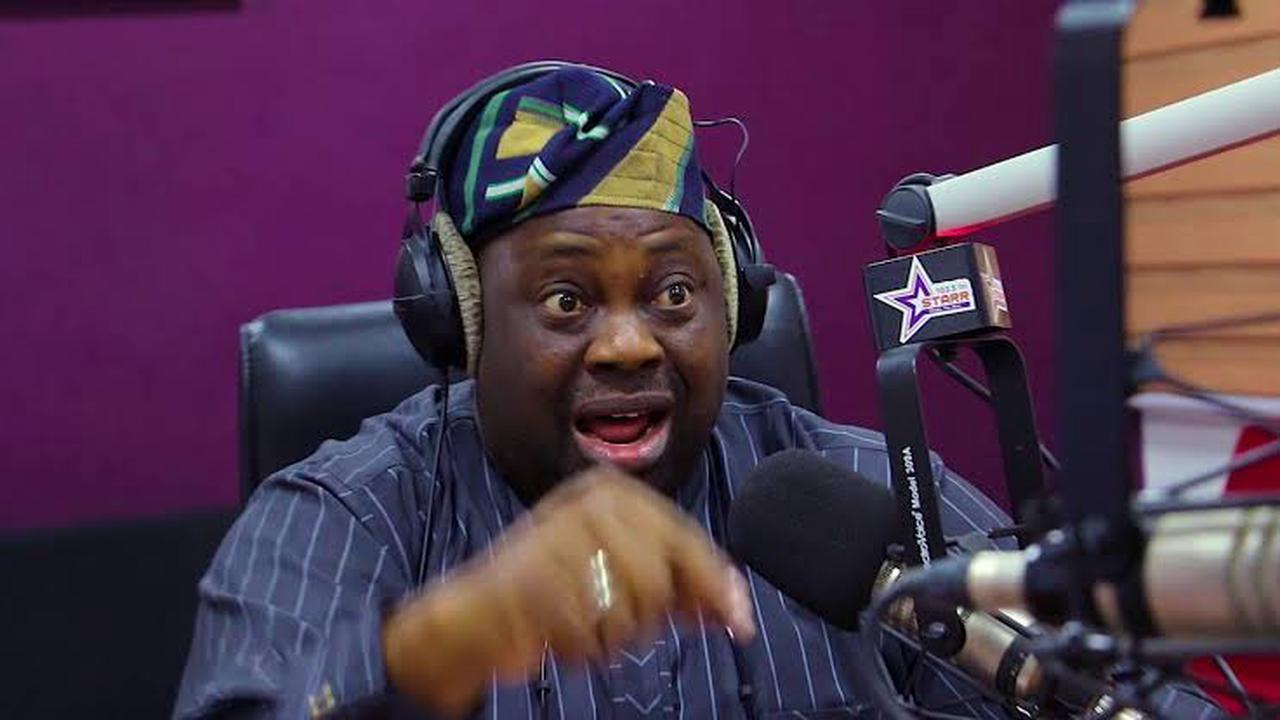 """""""Why Is FG Spending Too Much Energy On Pursing People Who Have Not Carried Weapons?""""- Momodu Asks"""