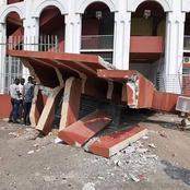 Voici quelques images de l'entrée principale du palais des sports détruite par un accident