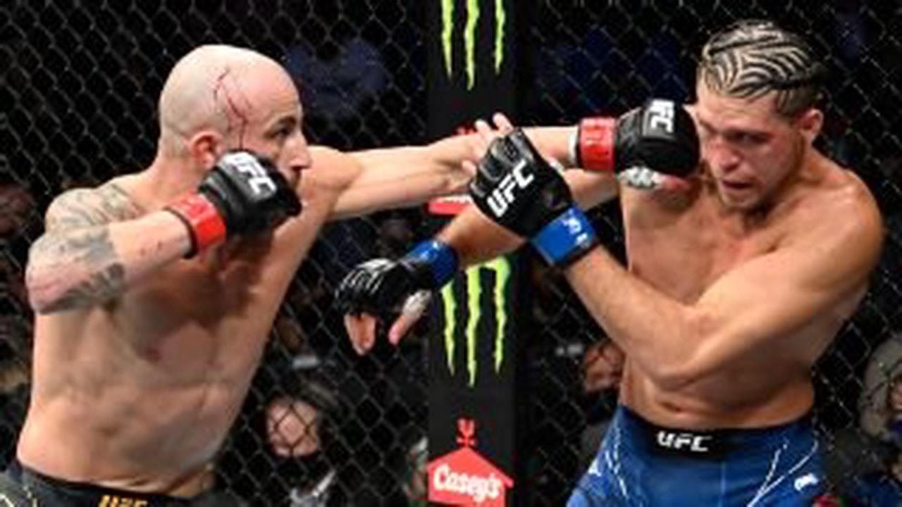 Alexander Volkanovski retains UFC featherweight title in thriller vs. Brian Ortega