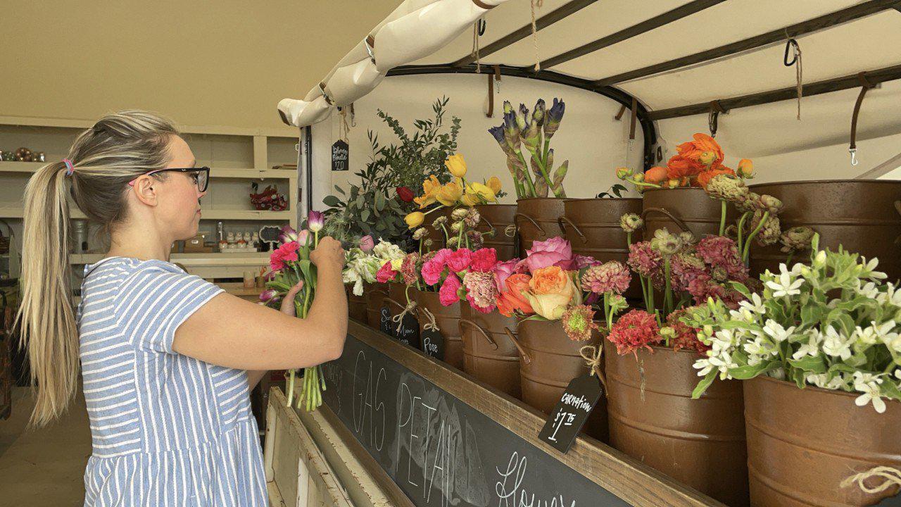 Flower truck business in full bloom for Mother's Day
