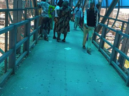 Tricks Thugs Are Using To Steal From Kenyans In Outering Footbridges In Nairobi Revealed.
