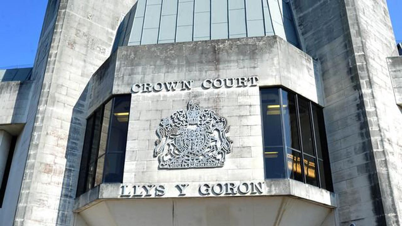 Cop 'left with intestines hanging out after stabbing' court hears
