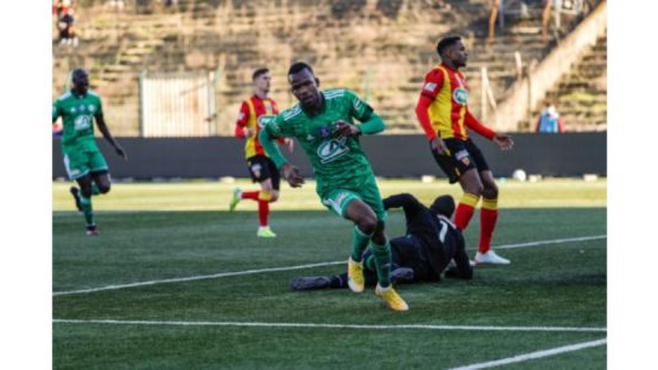 Coupe de France: Le Red Star surprend Lens, Montpellier qualifié difficilement