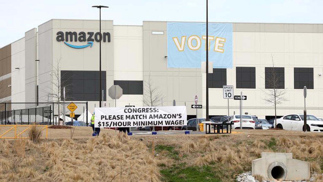 Etats-Unis: la poste prévient qu'il y aura des retards sur les votes par correspondance