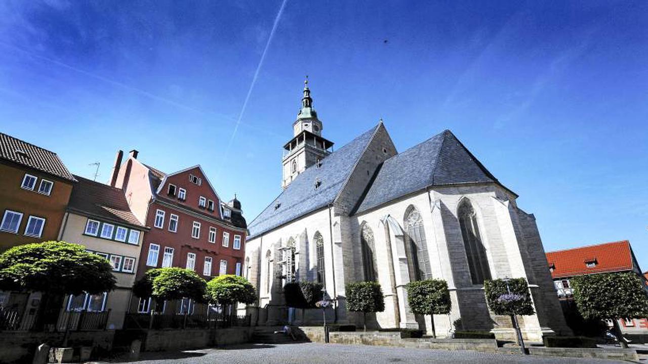 Seit wann ist die Spitze der Bad Langensalzaer Marktkirche schief?