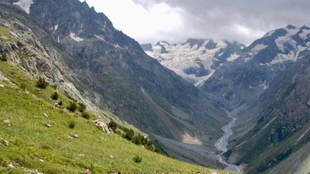 Isère Fonte glaciaire: à Saint-Christophe-en-Oisans, les jours comptés du refuge de la Pilatte