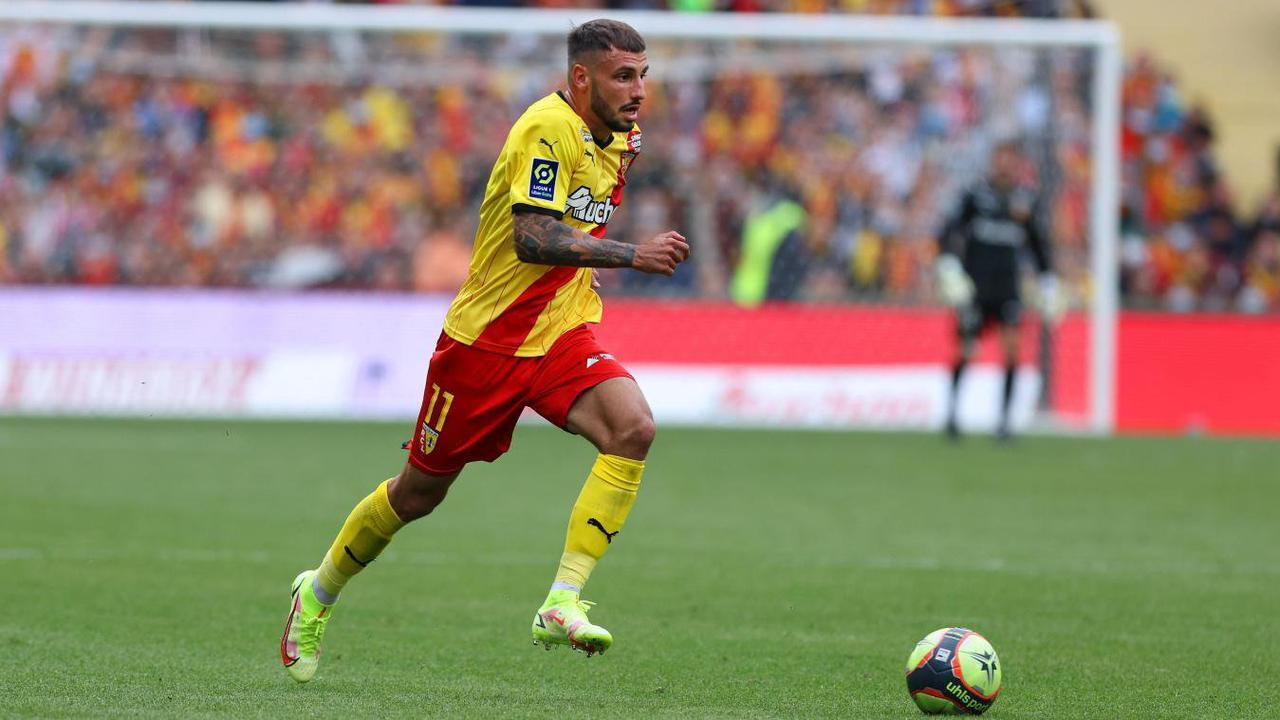 RC Lens : « Ma mère aurait pu me voir jouer pour la première fois en Ligue 1… », regrette Jonathan Clauss.