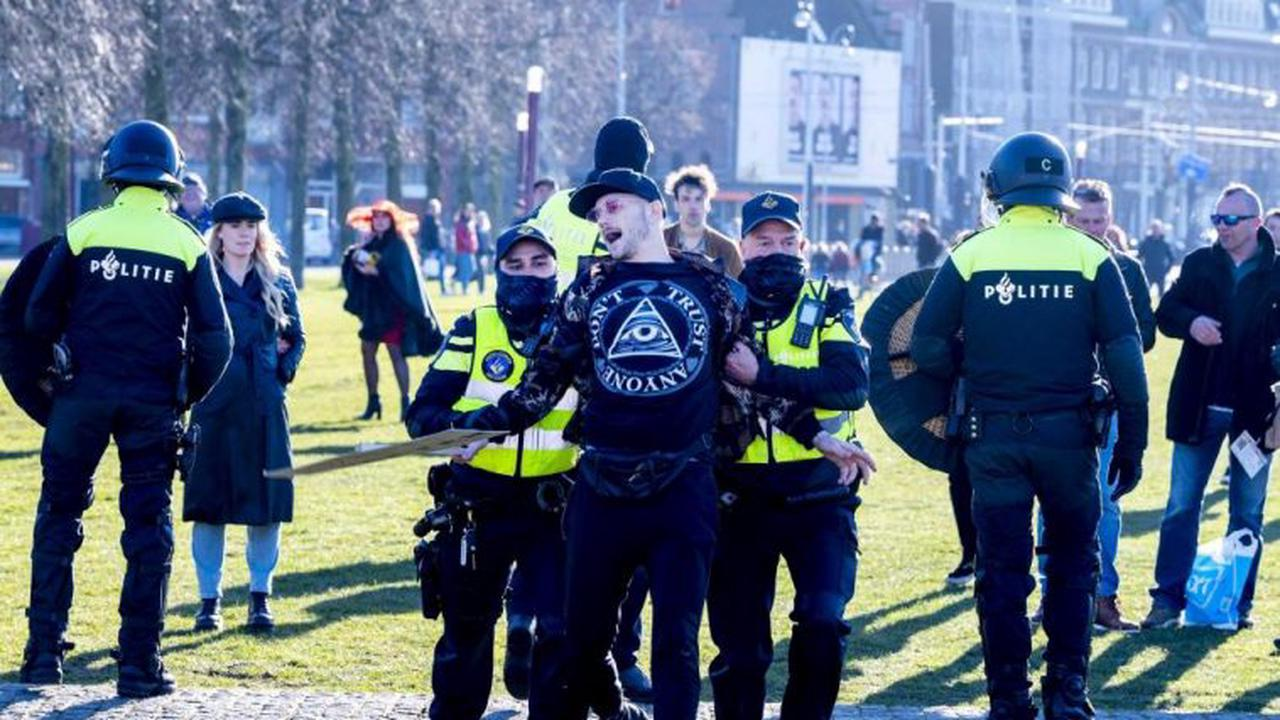 'Free the Netherlands now': riot police called to evacuate Museumplein in Amsterdam