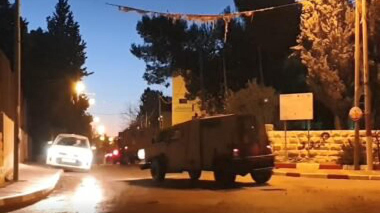 Palestinian protesters dodge stun grenades and 'skunk' spray as skirmishes spread through Jerusalem's Old City