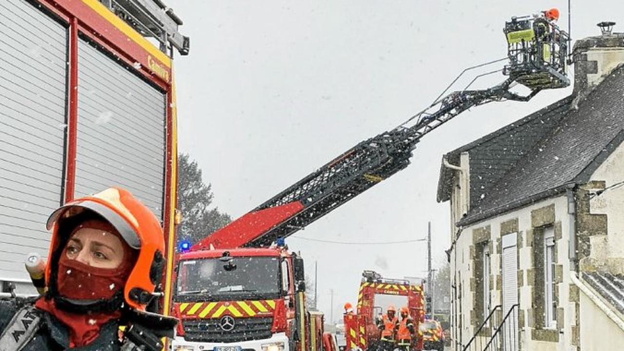 Plouaret: un automobiliste donne l'alerte, le feu de cheminée rapidement maîtrisé