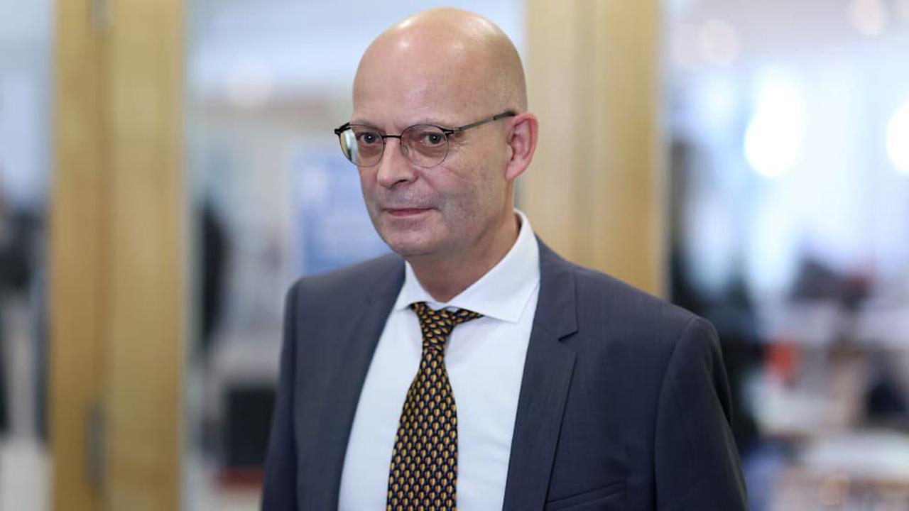 Nach Impfaffäre! Gericht bestätigt: Halles OB bleibt suspendiert