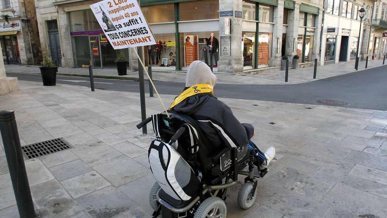Brocante aux Paralysés de France