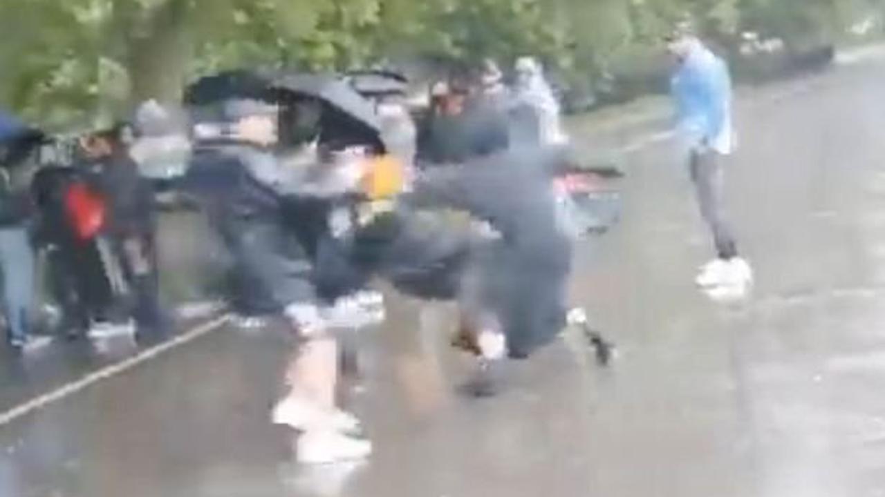 Un père et son fils violent à mort une fillette