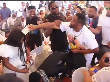 Opinion: See Why Zubby Michael, Prophet Odumejes & Jerry Amilo Sprayed Much Money At The Funeral